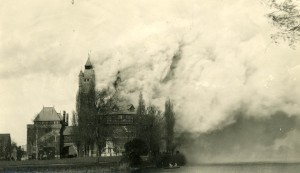 Shakespeare Memorial Theatre on fire in 1926